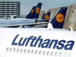Corporate Bond Sale Helps Lufthansa Raise $1.2 Billion