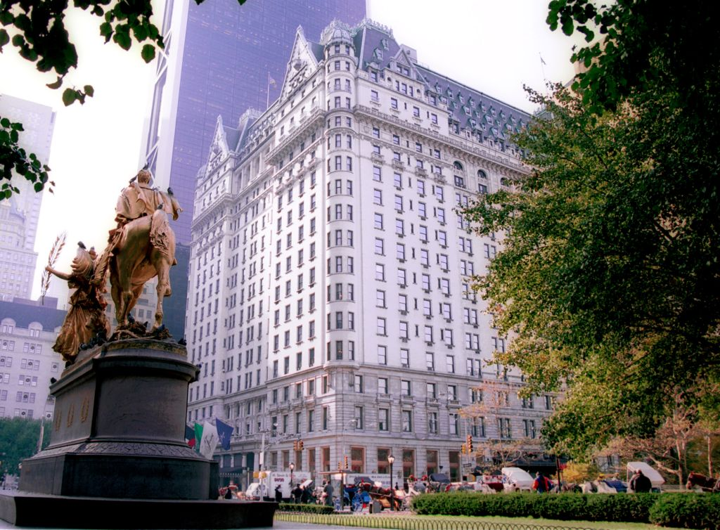 NY Plaza hotel to go on auction on April 26