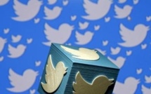 Twitter hands out stock and cash to retain its employees